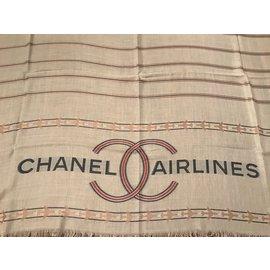 Chanel-modele cruise 2016-Écru