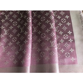 Louis Vuitton-CHALE MONOGRAM SHINE-Bordeaux