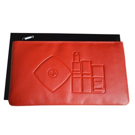 Chanel-Pochettes-Rouge