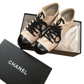 Chanel-Baskets-Beige