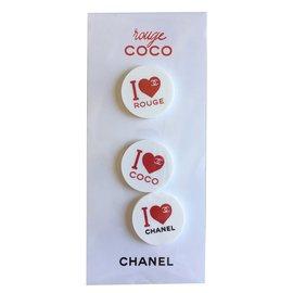 Chanel-Broche-Blanc