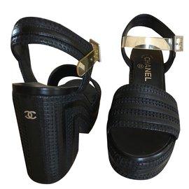 Chanel-Compensées-Noir