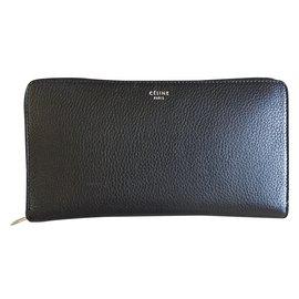 Céline-Wallet-Black