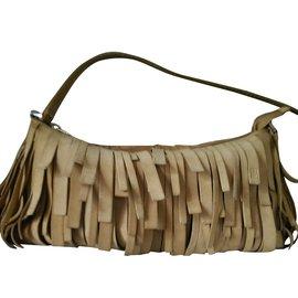 a610f4e11 Second hand Carolina Herrera Handbags - Joli Closet