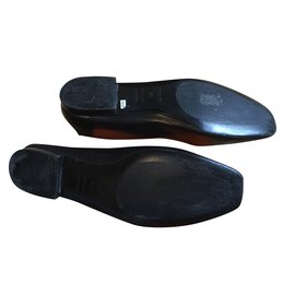 Hermès-Holly soft leather slippers-Black
