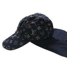 ef0a06788f71b Second hand Louis Vuitton Hats - Joli Closet