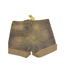 Chanel-Shorts-Bleu