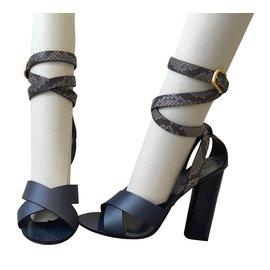 Gucci-Sandals-Navy blue
