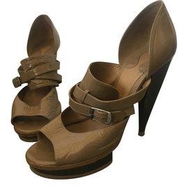 Chloé-Sandals-Beige