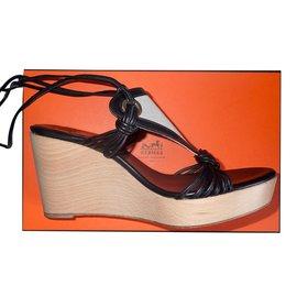 Hermès-Chica-Noir