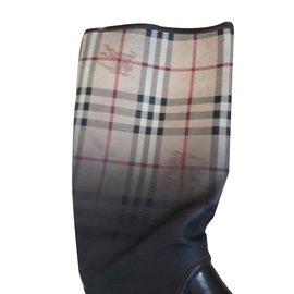 Burberry-Boots-Dark brown