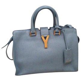 ec22c1a80c Second hand Yves Saint Laurent Handbags - Joli Closet