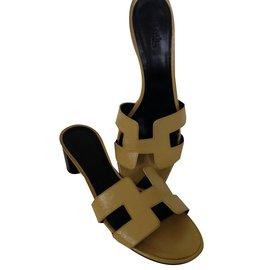 Hermès-Hermes oasis sandales-Jaune