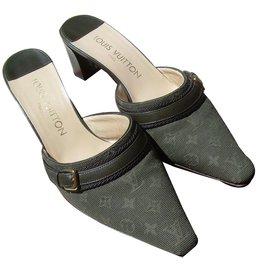 Louis Vuitton-Mules-Vert