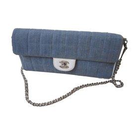 Chanel-chanel timeless format baguette-Bleu