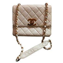 Chanel-Classique-Blanc