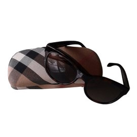Burberry-Sunglasses-Dark brown