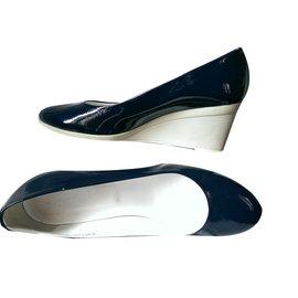 Hogan-Heels-Blue
