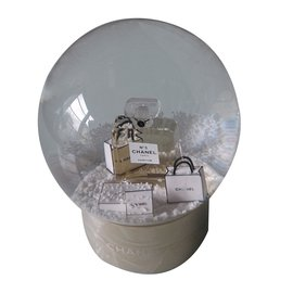 Chanel-Boule à  neige-Doré
