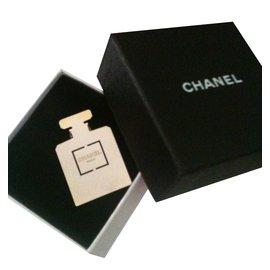 Chanel-broche pins CHANEL-Doré
