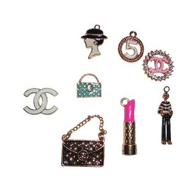 Chanel-Pendentifs-Multicolore