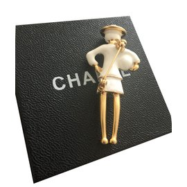 Chanel-Broches-Blanc