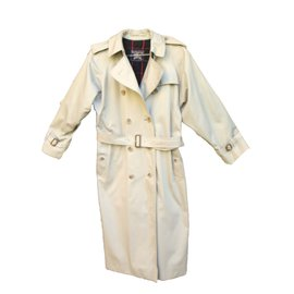 Burberry-Trench-Gris