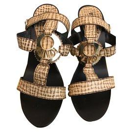 Fendi-Sandals-Brown,Beige