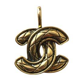Chanel-Pendentif Chanel CC matelassé-Doré