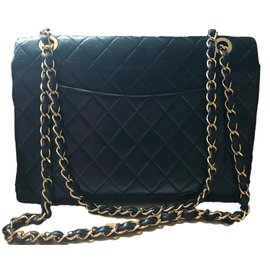 Chanel-Classique-Noir
