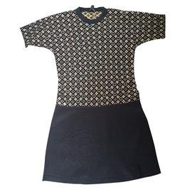 Louis Vuitton-Robe-Noir