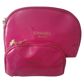 Chanel-Trousse-Rose
