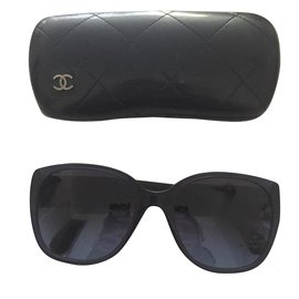 Chanel-Sunglasses-Navy blue