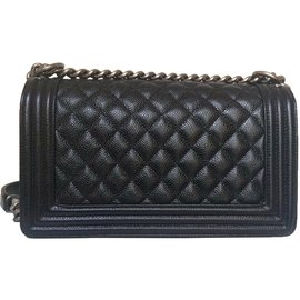 Chanel-Sublime Chanel Boy Medium in black quilted grained leather-Black
