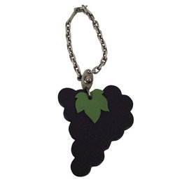 Hermès-Bijoux de sac raisins-Violet