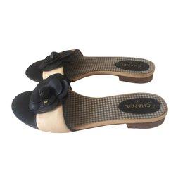 Chanel-Flats-Black,Beige