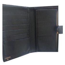 Chanel-Portefeuille Chanel en cuir grainé noir-Noir