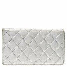 Chanel-Wallet-Silvery