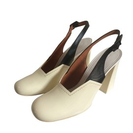 Céline-Pumps-Cream