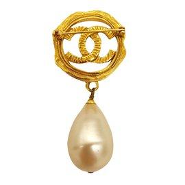 Chanel-Broche Perle-Doré