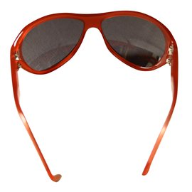 Chanel-Sunglasses-Red