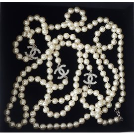 Chanel-Sautoir-Blanc