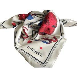 cb0822b7991e Accessoires luxe occasion - Joli Closet