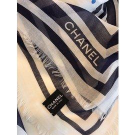 Chanel-Foulard-Écru