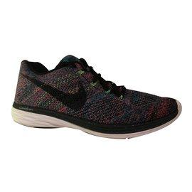 Nike-Sneakers-Black,Pink,Blue,Green