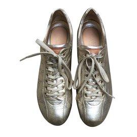 Louis Vuitton-Sneakers-Golden
