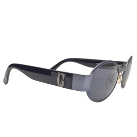 65132cbb9e Second hand Gianni Versace Sunglasses - Joli Closet