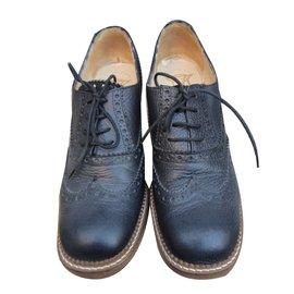Derbies Chaussures Oxford En Vente, Noir, Cuir, 2017, 35 36 37 36,5 37,5 38 38,5 39 40 Prada