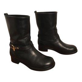 Louis Vuitton-Boots en cuir noir-Noir