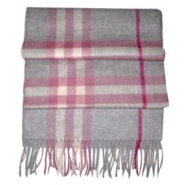 Burberry-Scarf-Pink,Grey